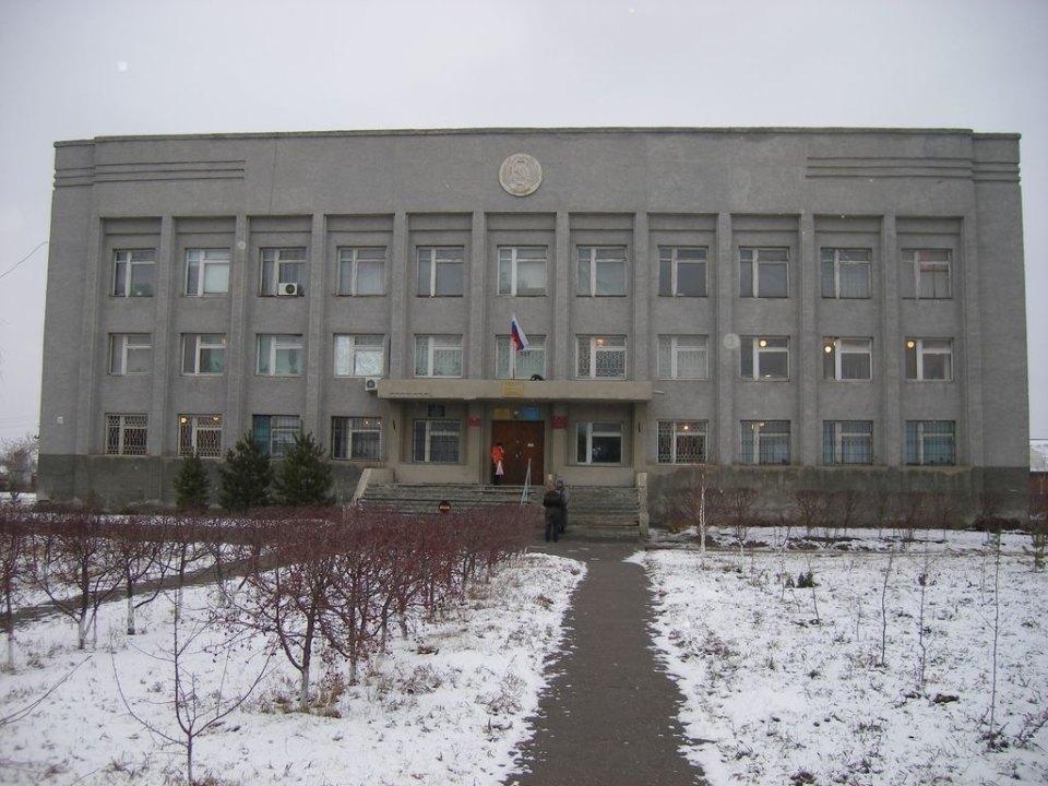 В Таврическом районе Омской области депутаты местного райсовета установили для себя материальное поощрение «в связи с Днём местного самоуправления».