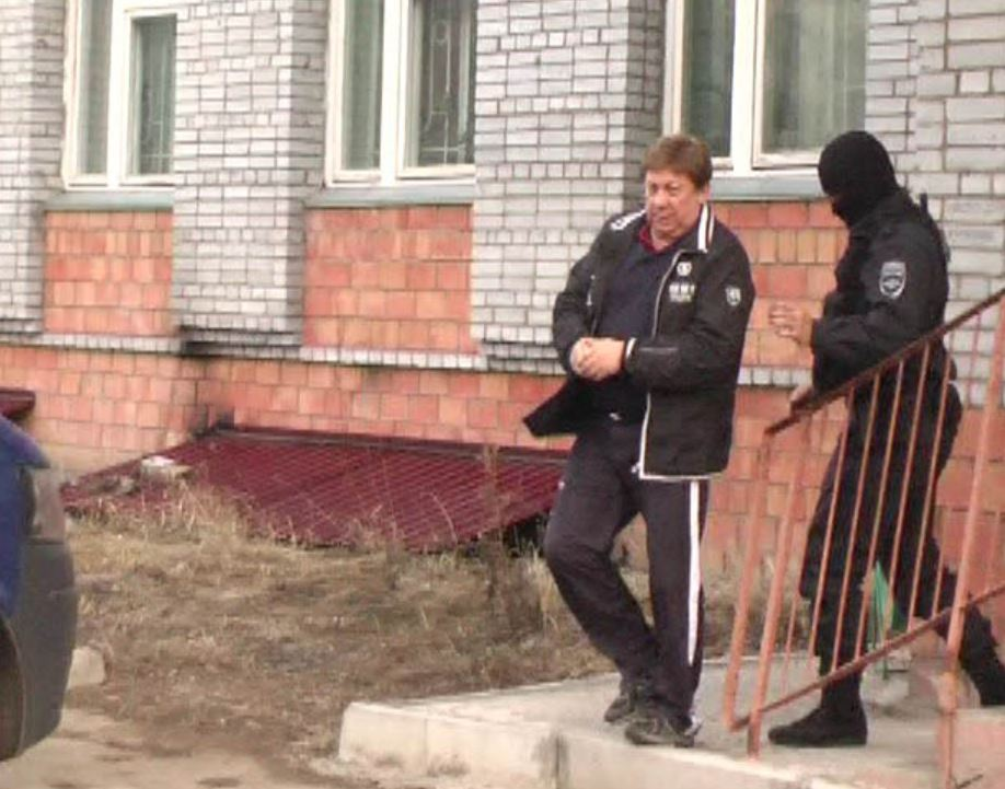 Бывшему мэру Усть-Илимска Иркутской области Владимиру Ташкинову уже в третий раз продлили срок следственного ареста.