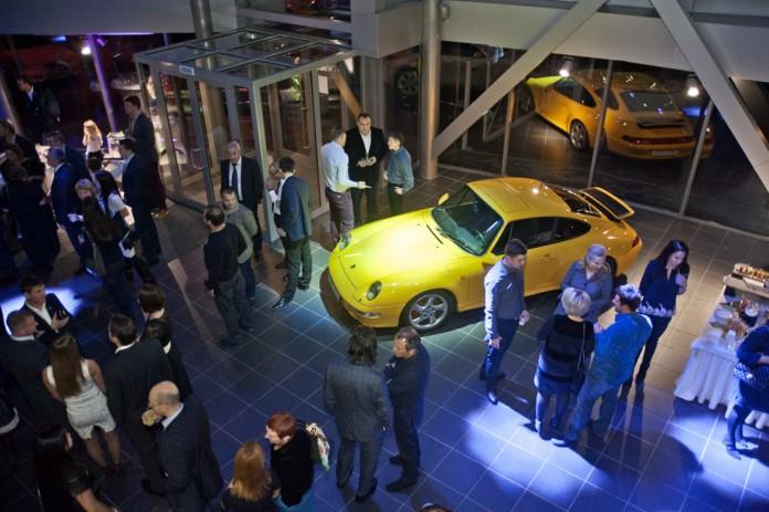 «СЛК-Моторс» открыла первый в Сибири полнофункциональный дилерский центр Porsche