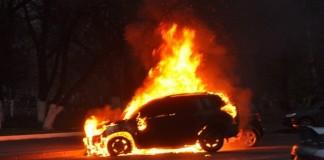 Депутат ЗС НСО Оксана Бобровская вместе со спутником погибла после взрыва гранаты в салоне автомобиля Toyota RAV-4.