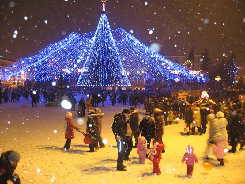 Посвящённый кинематографу Новый год-2016, подарит новосибирцам множество праздничных мероприятий.