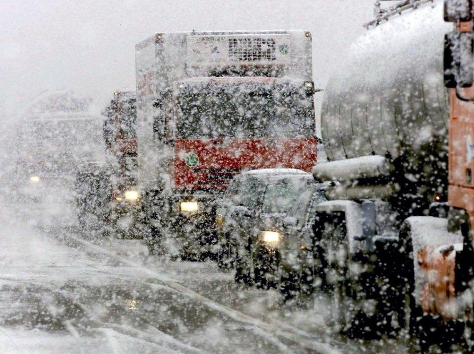На первых зимних выходных новосибирцев ожидают потепление до 0 - +2 и метели с мокрым снегом.