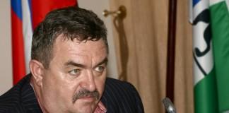 Главой МУП «ПАТП-5» является Валерий Ильенко, занимающий должность секретаря новосибирского регионального отделения партии «Единая Россия».