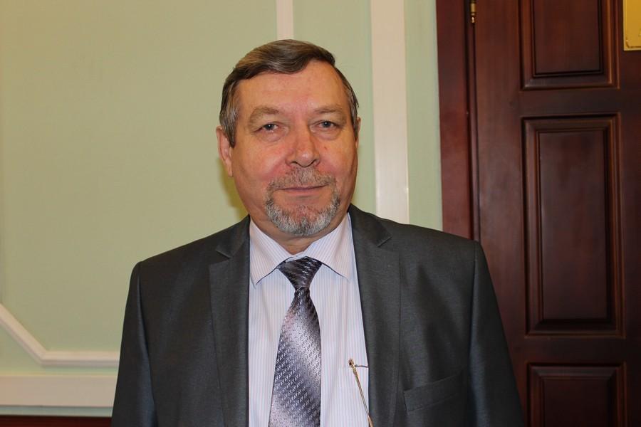 Почти двухлетнее уголовное преследование экс-вице-мэра Горно-Алтайска Николая Колесниченко, инициированное против чиновника за приёмку опасных для жизни и здоровья домов для детей-сирот, может завершиться условным наказанием.