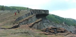 Учёные НГУ исследовали деформированные участки горной породы в республике Алтай и пришли к выводу, что регион намного опаснее в сейсмическом смысле, чем считалось ранее.