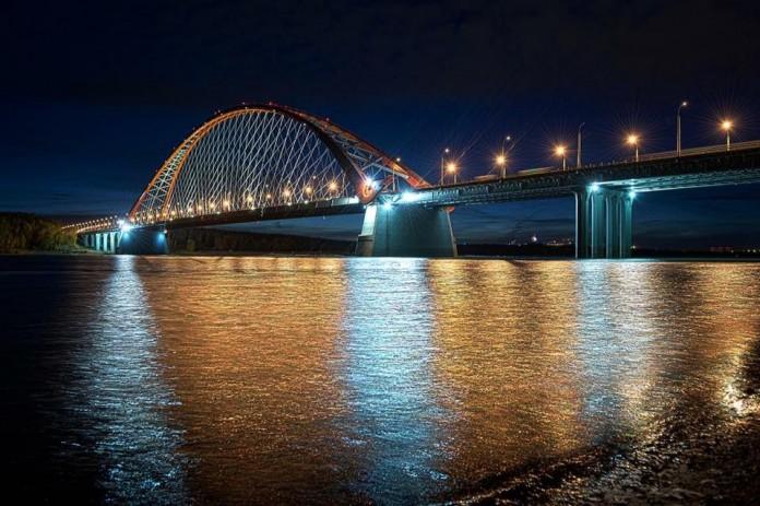 На аукцион выставят самые удачные фотокартины новосибирских мастеров. На фото - снимок, предоставленный для аукциона Павлом Мирошниковым, Бугринский мост, Новосибирск.