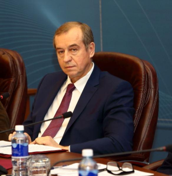 По словам губернатора Иркутской области Сергея Левченко, стать резидентом усолье-сибирской ТОР сможет компания, создавшая 20 рабочих мест и привлекшая 5 млн руб. инвестиций.