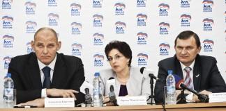 Александр Карелин, Ирина Мануйлова, Сергей Дорофеев (слева направо)