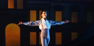 В 2016 году новосибирцы смогут увидеть 20 спектаклей с участием уроженца Украины Сергея Полунина, ранее танцевавшего ведущие партии в Королевском театре Лондона.