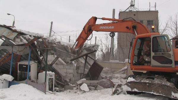 Администрация Омска активизировала борьбу с незаконными коммерческими строениями, самовольно возведёнными на муниципальных участках.