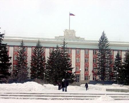 В администрации Алтайского края констатируют существенный рост уровня госдолга в 2015 году.