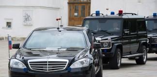 Москва на два порядка опережает большинство регионов РФ по количеству дорогих машин в автопарках органов власти.