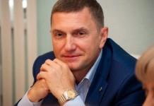 Приглашая клиентов в новый комфортный офис в центре Новосибирска, генеральный директор банка «Левобережный» Владимир Шапоренко подчёркивает: долгожданное открытие нового офиса в условиях непростой экономики подтверждает крепкие позиции банка на рынке.