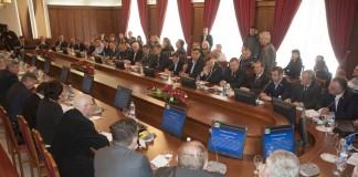 Публичные слушания по вопросу отмены прямых выборов глав муниципальных образований в Новосибирской области в апреле 2015 года