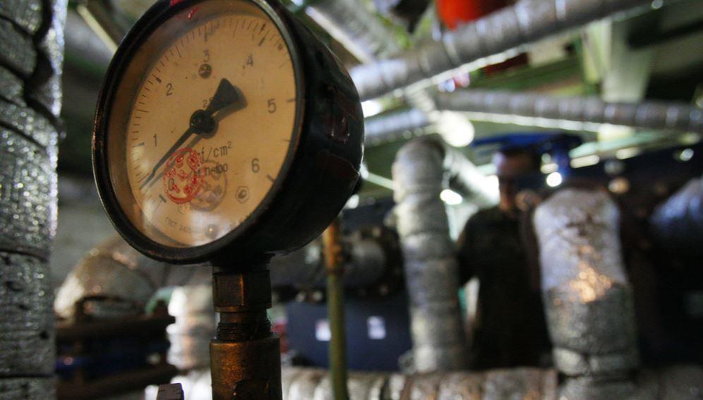 Из-за аварий на теплосетях бурятского посёлка Северомуйск, режим ЧС по теплоснабжению был объявлен на территории целого района республики.