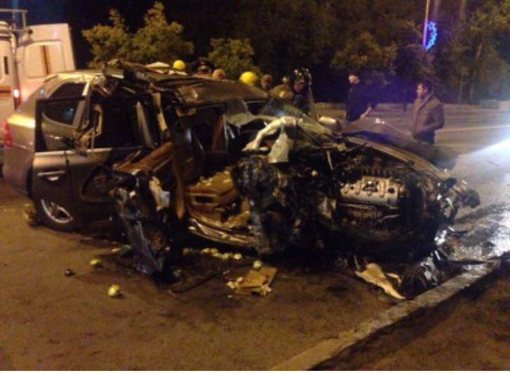 Porsche Cayenne виновника ДТП, Владимира Гутникова, после аварии восстановлению не подлежал.