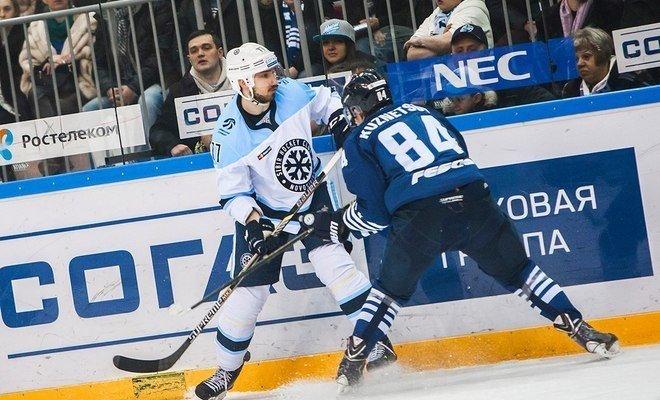 ХК «Сибирь» уступила ХК «Адмирал» в четвёртом матче плей-офф сезона КХЛ 2015/16.