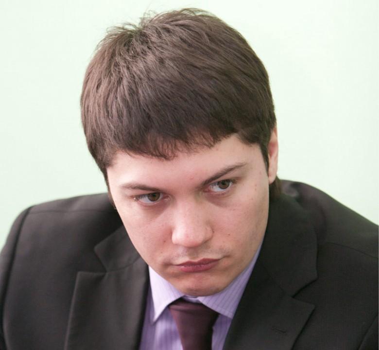 Артем Скатов предложил дополнить повестку вопросом о переходе области на четырехчасовую разницу с Москвой