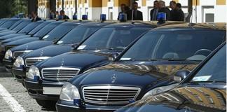 Общественная палата Красноярска рассмотрит инициативу, предусматривающую введение дополнительных средств для идентификации владельцев служебных машин.