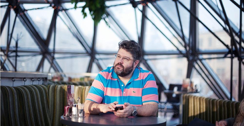 Кристофер Тара-Браун отмечает, что Travelers Coffee не была разделена на две части, а оставалась единым бизнесом. Фото Антона УницынаКристофер Тара-Браун отмечает, что Travelers Coffee не была разделена на две части, а оставалась единым бизнесом. Фото Антона Уницына