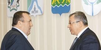 Министр строительства НСО Сергей Боярский (на фото слева) и депутат ЗС НСО Юрий Зозуля (на фото справа)