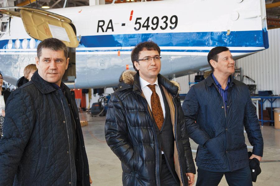 Новосибирские депутаты побывали на закрытом НИИ авиации