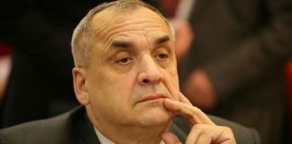 Депутат томской облдумы, гендиректор компании «Сёмкин» Василий Сёмкин подал иск к барнаульской «СЛК-Моторс».