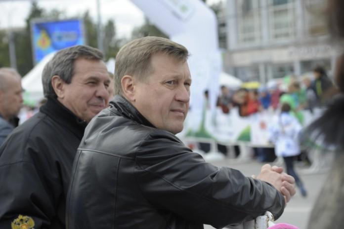 Миниатюра для: Власти Новосибирска планируют пересчитать чиновников