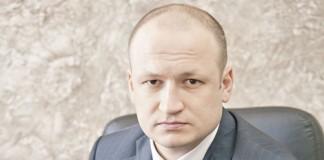 Директор новосибирского филиала Россельхозбанка Станислав Тишуров объясняет наблюдаемый в банке рост объёма вкладов физлиц развитой сетью филиалов, широкой линейкой депозитов и участием в системе страхования вкладов.