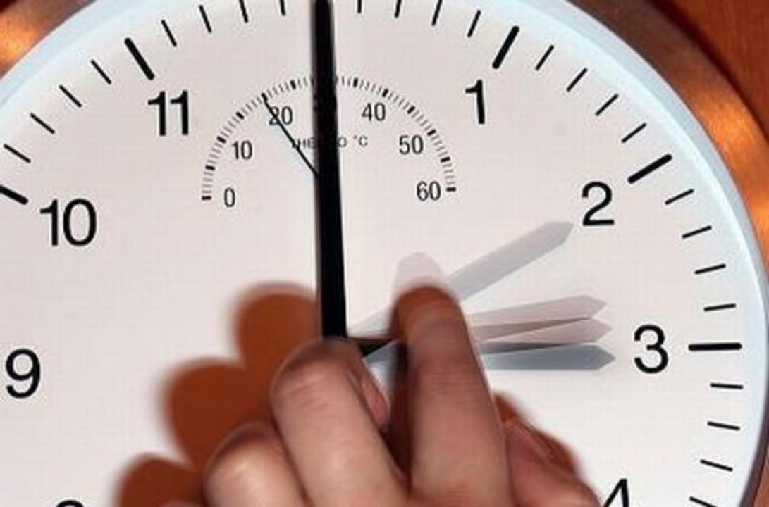 Мэрия Новосибирска обратилась к горожанам с вопросом - в какой часовой зоне они хотели бы жить.