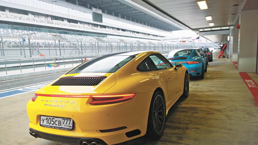19_08_Porsche1