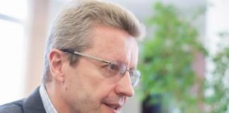Операторы связи готовятся к появлению в России мобильной связи стандарта 5G. На фото ─ директор макрорегиона «Сибирь» компании Tele2 Дмитрий Кромский. Фото компании Tele2