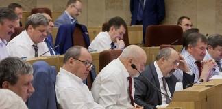 Депутаты законодательного собрания Новосибирской области одобрили законопроект, обязующий уведомлять власти об установке быстровозводимых конструкций на одиночных пикетах