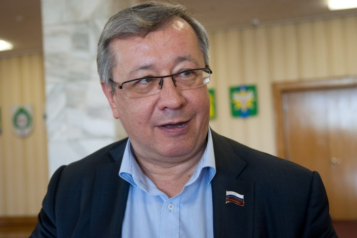 С инициативой о привлечении КСП Новосибирской области к проблеме руководства новосибирского Технопарка Юрий Зозуля