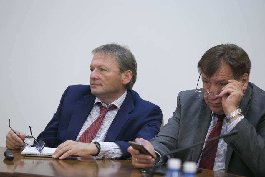 Борис Титов и Иван Стариков (слева направо)