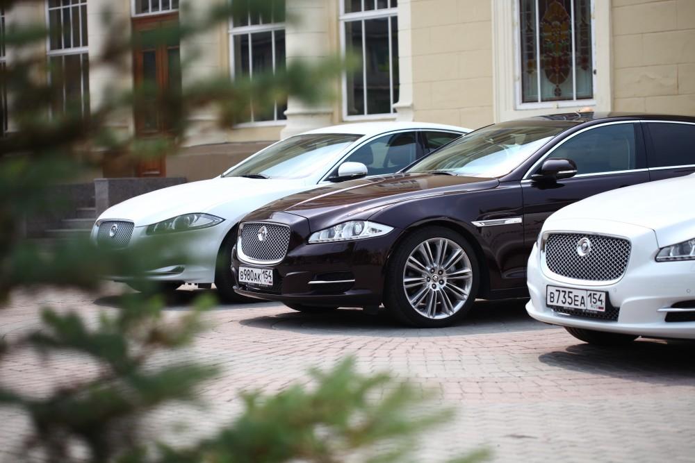 «МАКС Моторс» лишен статуса официального посредника Ягуар и Лэнд Ровер вНовосибирске