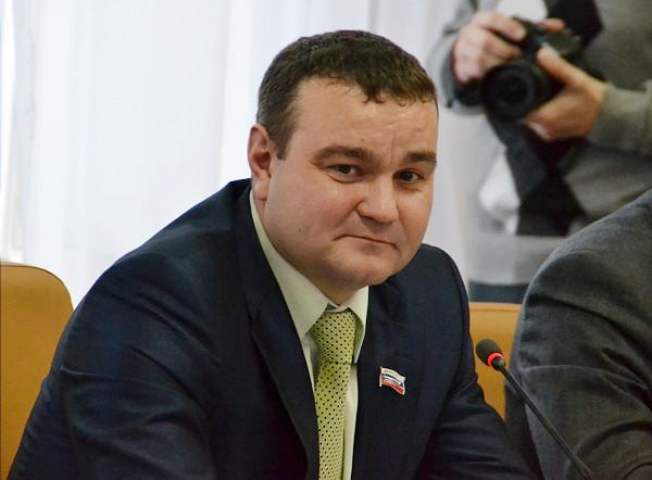 В НСО возбуждено 12 дел против экс-депутата