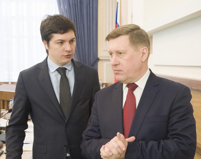 Политический и информационный блок в команде Анатолия Локтя ((справа) вероятно возьмет Артем Скатов (слева)