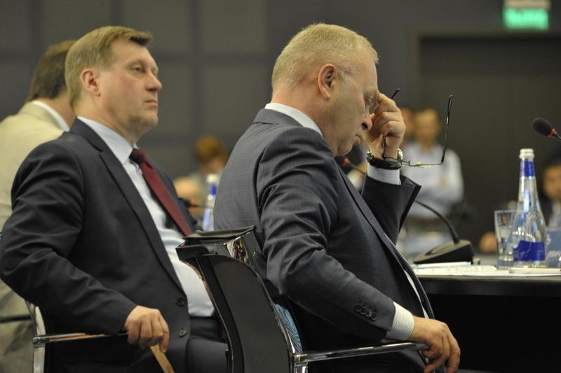 В составе совета Владимир Знатков, Анатолий Локоть (справа налево)