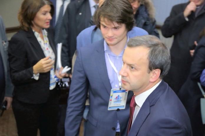 Миниатюра для: Аркадий Дворкович пообещал трем проектам программы реиндустриализации экономики НСО государственную поддержку
