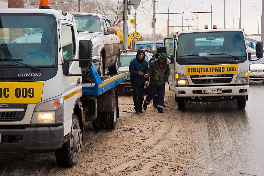 Машины соштрафстоянки будут возвращать новосибирцам дооплаты штрафов