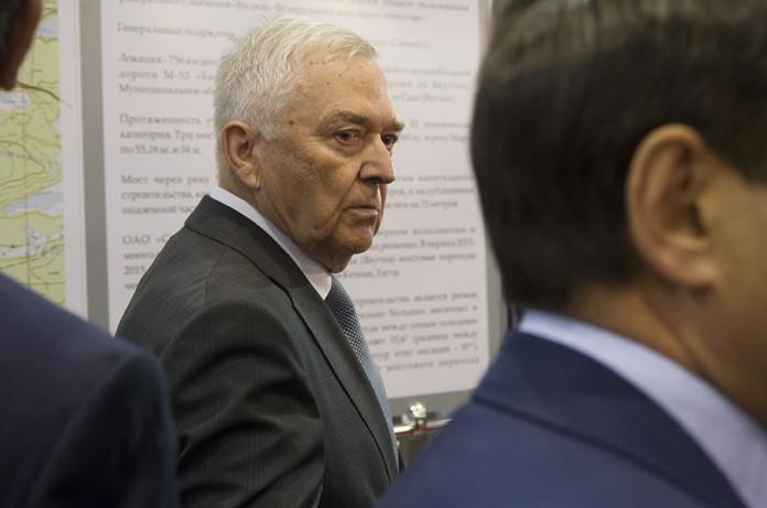 Губернатор Новосибирской области напомнил, что Альберт Кошкин (на фото) — почетный житель Новосибирска и попросил