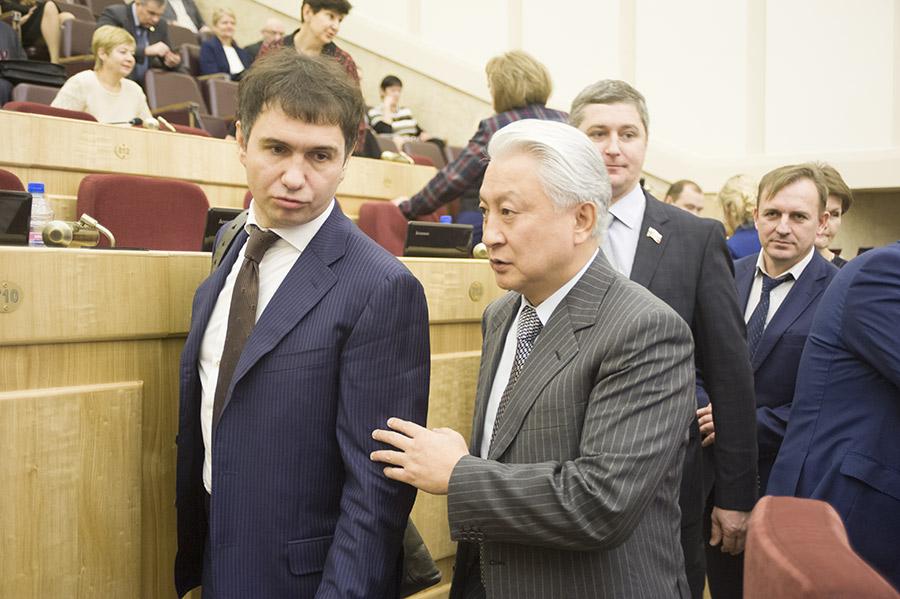 Дмитрий Асанцев и Вениамин Пак (слева направо)