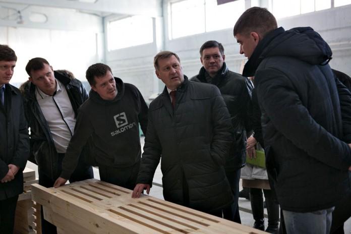 Мэр Новосибирска Анатолий Локоть посетил завод ЖБИ-1