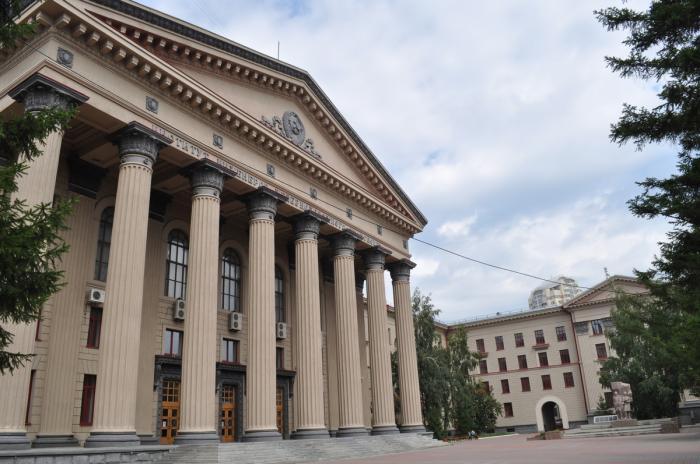 Доцент Сибирского госуниверситета путей сообщения пойдет под суд завзятки