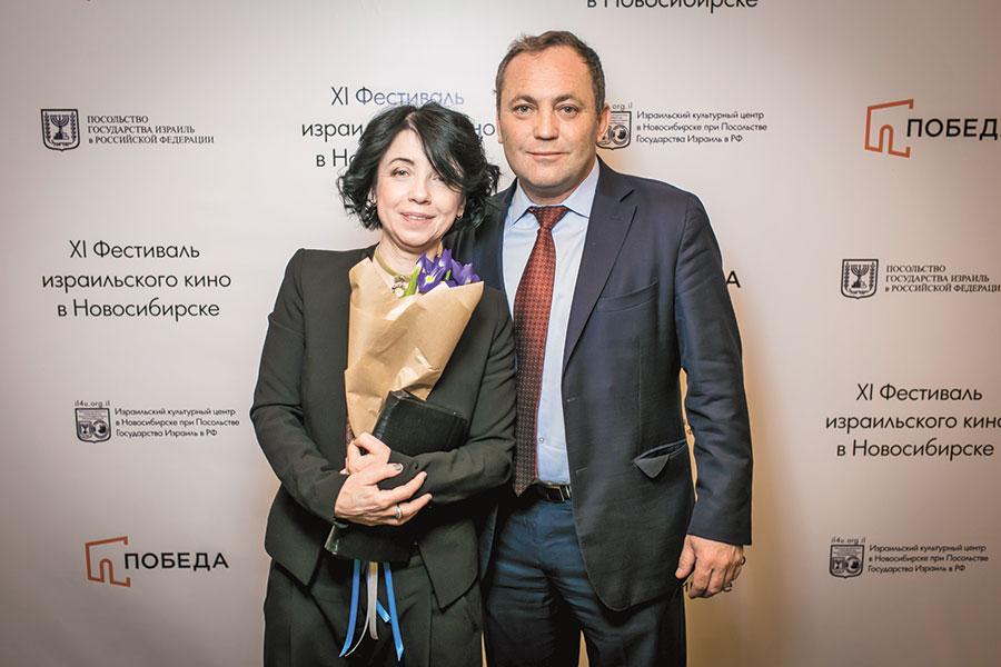 Ирис Цвайг, Алекс Кагальский