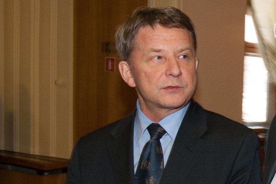 Экс-глава новосибирского ЦУМа получил 5 лет колонии замошенничество