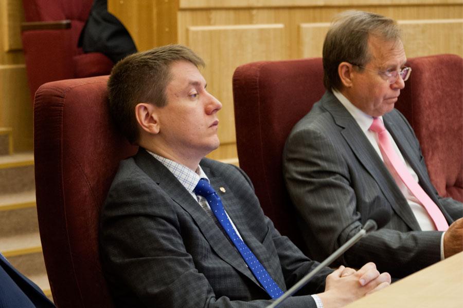 Руководитель ДИиЗО правительства Новосибирской области Роман Шилохвостов и Владимир Никонов (слева направо)