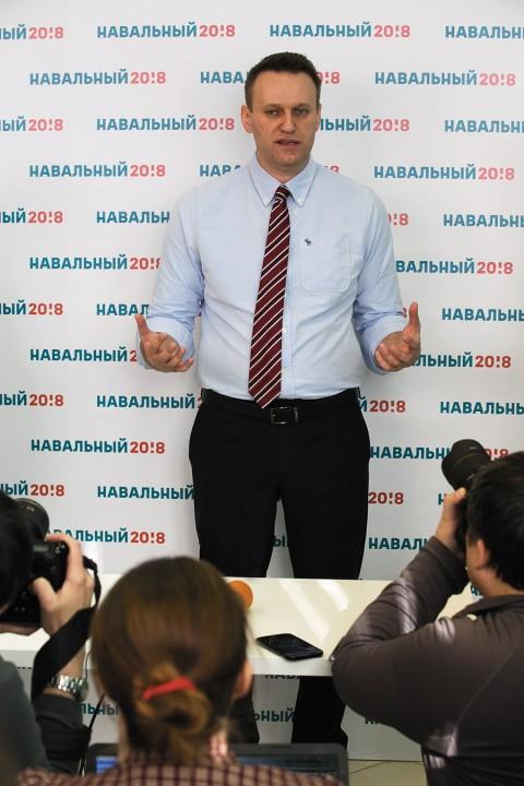 c024a0ca2c01 Вам никогда не приходила в голову нелепая мысль, что Алексей Навальный  неплохо бы смотрелся в звании полковника  (Впрочем, не исключено, что это  моя личная ...