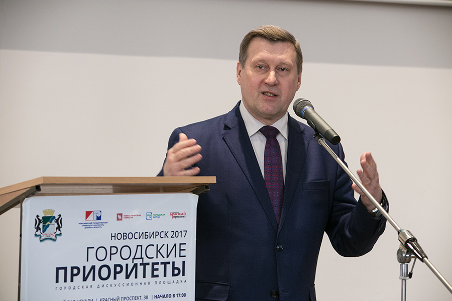 В числе людей, которые могли бы заменить лидера КПРФ на выборах президента, называется и Анатолий Локоть